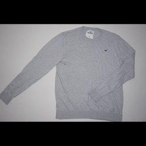 HOLLISTER Light Gray Crewneck Sweater